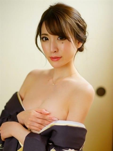 鈴菜(リナ)4:グランドオペラ名古屋(名古屋高級デリヘル)