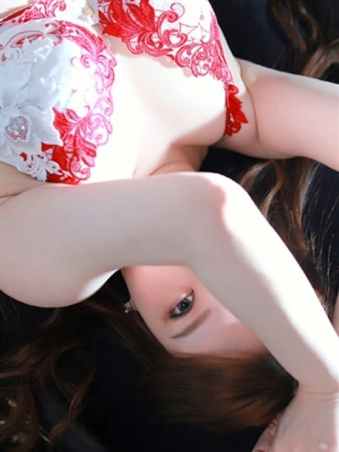 Narumi【なるみ】:ドレス・コード(大阪高級デリヘル)