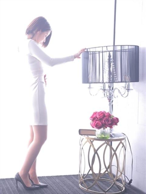 瞳【ひとみ】2:ドレス・コード(大阪高級デリヘル)