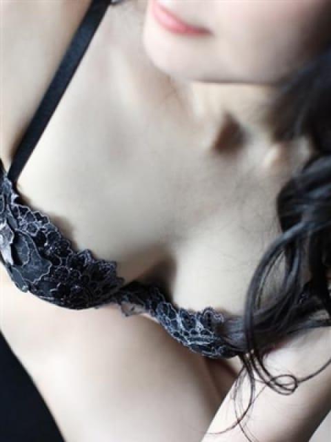 十萌美【ともみ】の画像1:ドレス・コード(大阪高級デリヘル)