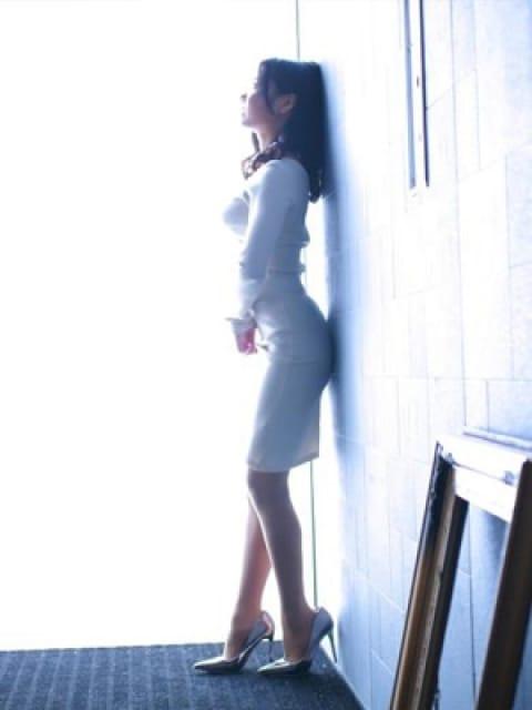 鈴【すず】2:ドレス・コード(大阪高級デリヘル)