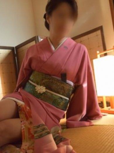 花忍(はなしのぶ)2:博多熟女亭・ 大和撫子(福岡高級デリヘル)
