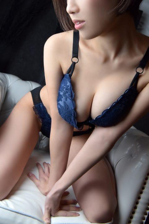 Gカップの戸田恵梨香:TRIPLE CROWN(銀座・汐留高級デリヘル)