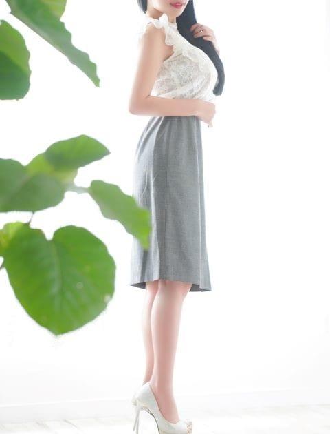 抜群のスタイル、セクシーなM系秘書さんお勧めです :有栖川倶楽部(東京駅・丸の内・日本橋高級デリヘル)