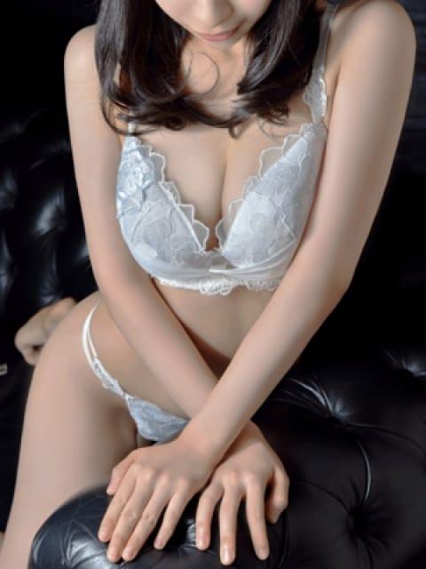 白鷺智美:メートルドテル(新宿高級デリヘル)