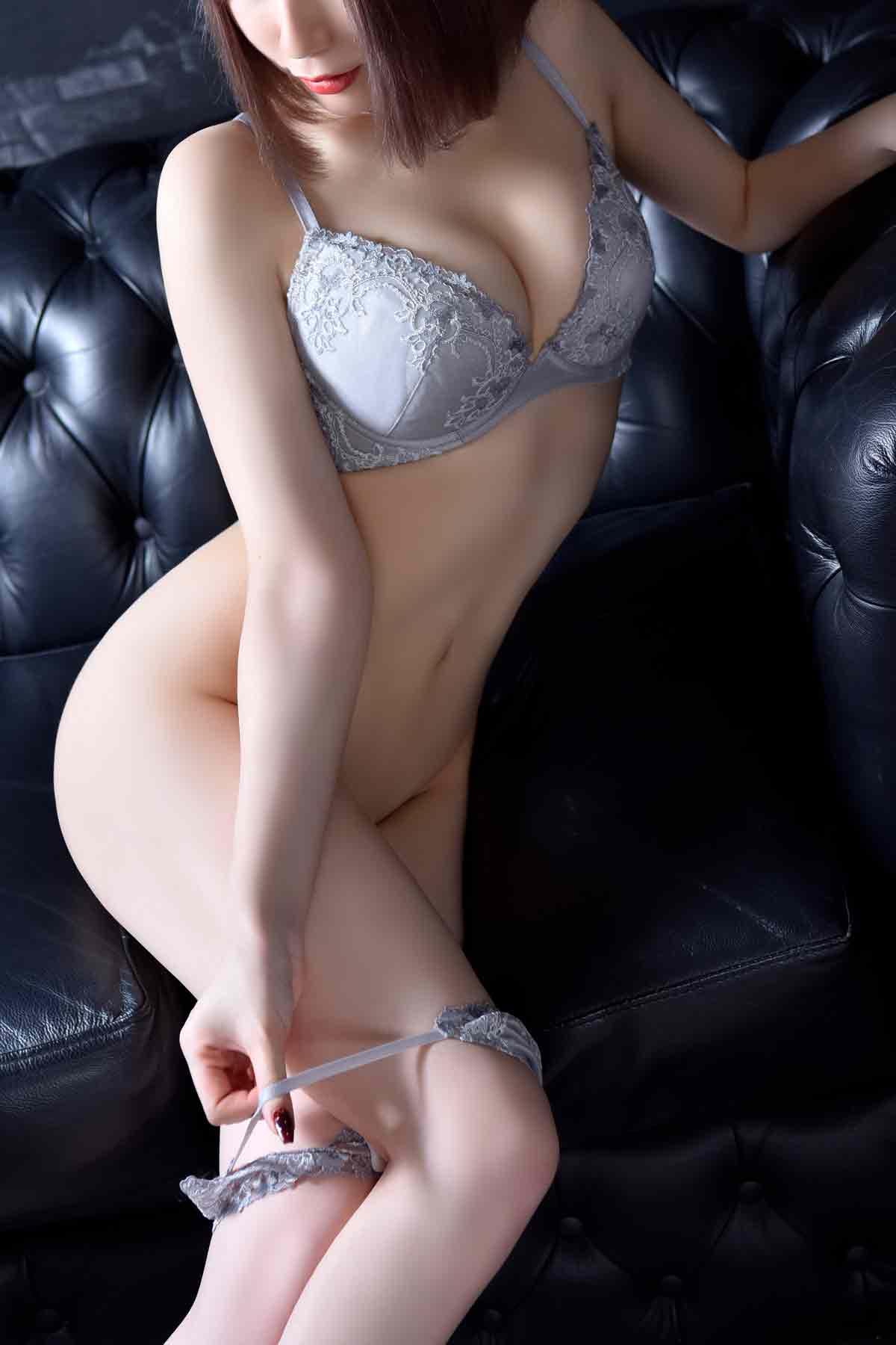 最高級のスレンダーグラマー美女:メートルドテル(新宿高級デリヘル)