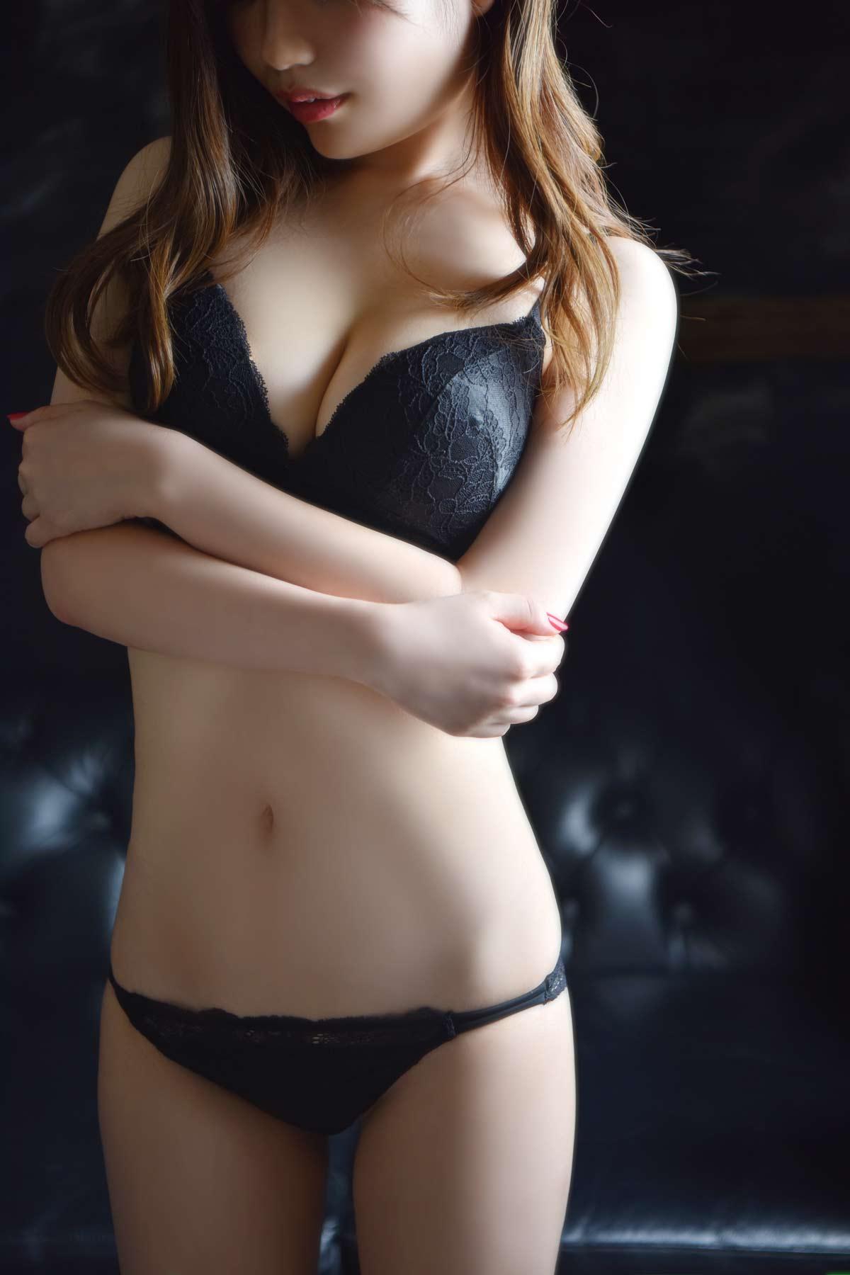 完全業界未経験の素人感あふれる清楚美女:メートルドテル(新宿高級デリヘル)