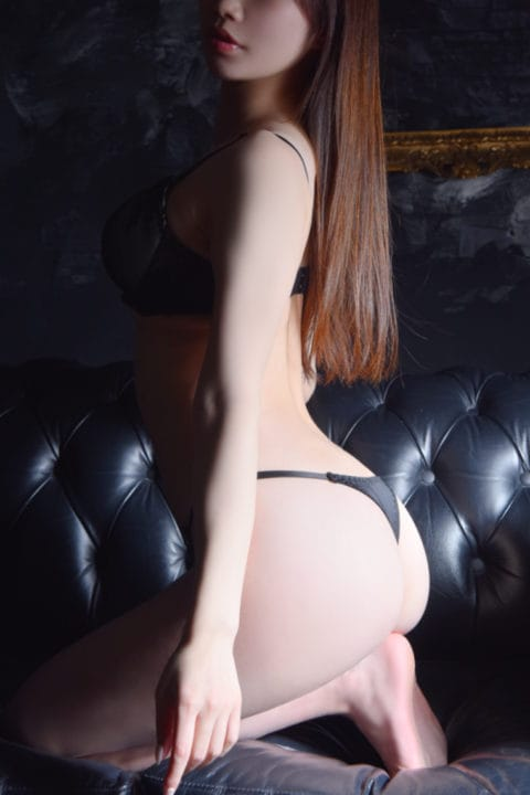 業界経験極浅なFカップのグラマラス美女:メートルドテル(新宿高級デリヘル)