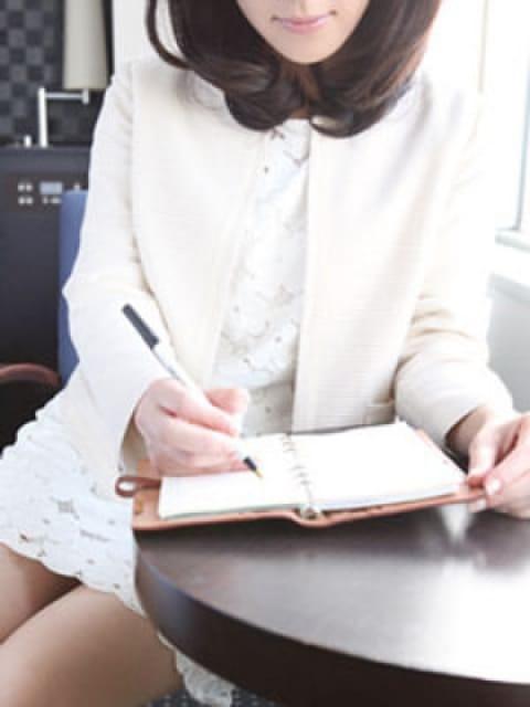 ユリ:透明感・清潔感・本当にこの女性が・・・東京才色兼備(銀座・汐留高級デリヘル)