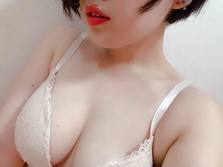 清楚系美女「アリサちゃん」出勤!!:ティッシュ(九州・沖縄高級デリヘル)