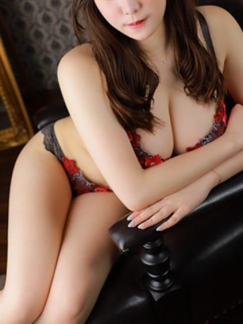 ゆい【現役大学生Hcup】:長身・巨乳専門モデル倶楽部ROYAL(品川高級デリヘル)
