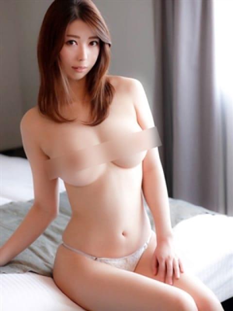 清水りか【最高峰の美貌】:長身・巨乳専門モデル倶楽部ROYAL(品川高級デリヘル)
