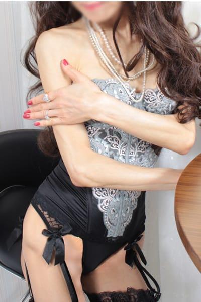 美人を脱がす・抱く。敏感な乳房を舐めまくる【超絶驚愕必至!】:Mrs.Revoir-ミセスレヴォアール-(横浜高級デリヘル)