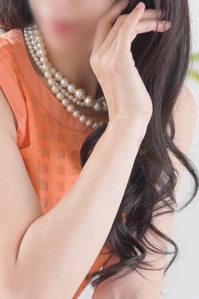 【ご安全に】適正価格を考える◇美人で淫らな人妻と:Mrs.Revoir-ミセスレヴォアール-(横浜高級デリヘル)
