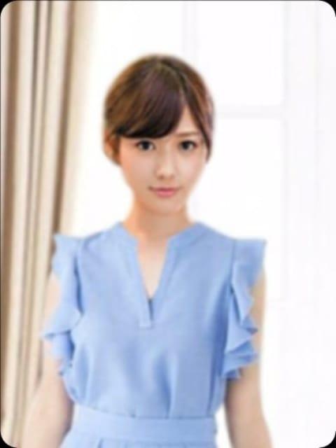 絵美里(EMIRI):ラグジュアリー東京 NO1高級デリヘル Luxury group東京進出!(銀座・汐留高級デリヘル)