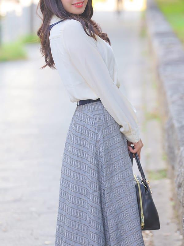 完全業界未経験の癒し系《木下 かずは》:Miss.Chloe(ミス・クロエ)(大阪高級デリヘル)