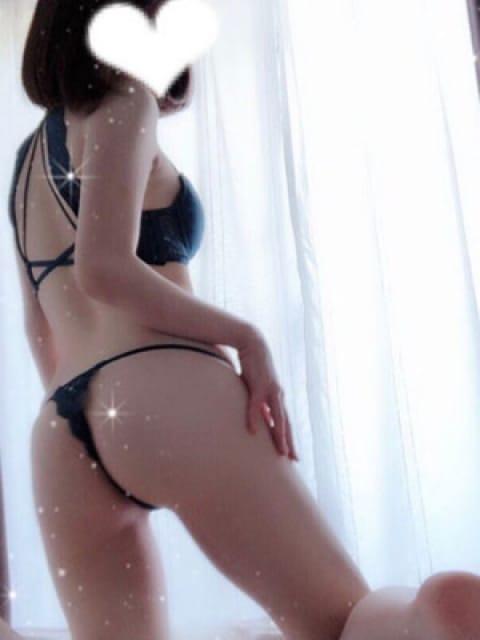 日向しょうか【清楚系美少女】:千年堂デリヘル(渋谷・恵比寿・青山高級デリヘル)