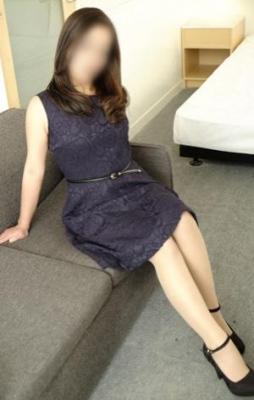 まな2:博多美人妻(福岡高級デリヘル)