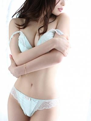 銀座・汐留 高級デリヘル:W STYLEキャスト 水沢 花音1